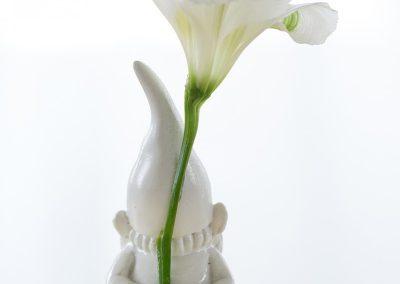 Kabouter met bloem
